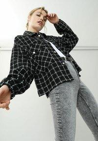 Pimkie - Summer jacket - schwarz - 4