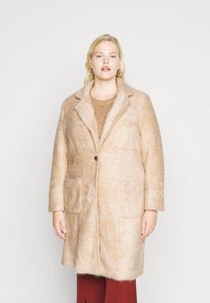 CARCLAIRE COAT - Zimní kabát - warm taupe