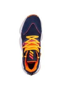 adidas Performance - ADIDAS PERFORMANCE HARDEN VOL. 4 BASKETBALLSCHUH HERREN - Chaussures de basket - tech indigo / signal pink / solar gold - 1