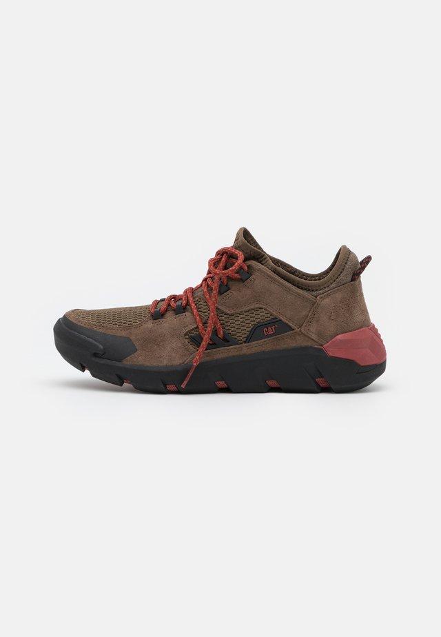 CRAIL - Sneakers laag - shitake