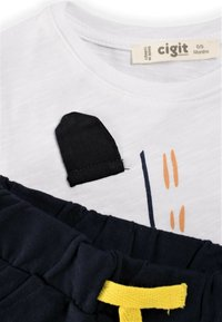 Cigit - SET - Shorts - off-white, light blue - 2