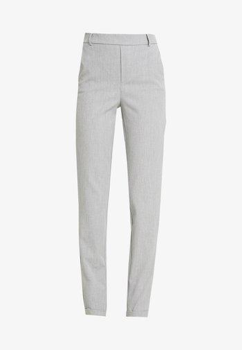 VMMAYA LOOSE SOLID PANT - Trousers - light grey