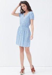 Cache Cache - Korte jurk - bleu pastel - 5