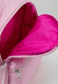 Nike Sportswear - MINI AIR - Reppu - pink foam/fire pink - 4
