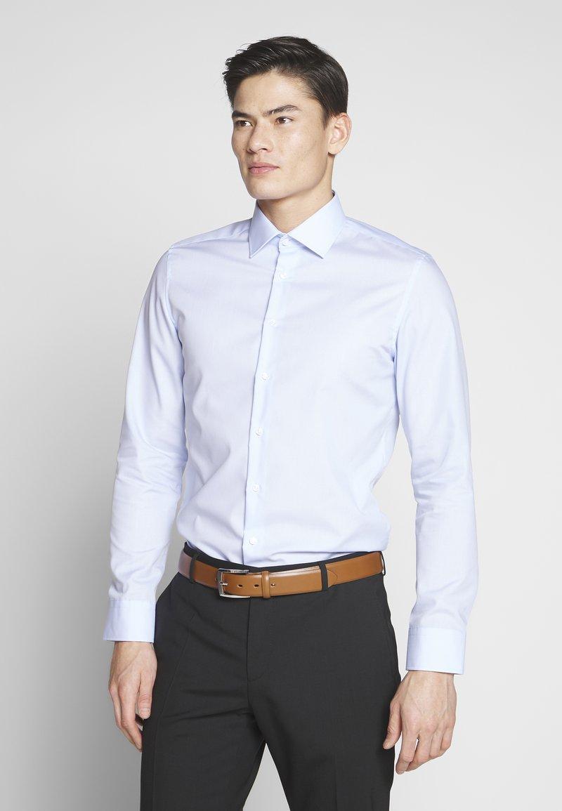 Seidensticker - BUSINESS KENT - Formal shirt - light blue