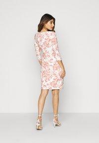 Lauren Ralph Lauren Petite - CLEORA - Shift dress - cream/pink/multi - 2