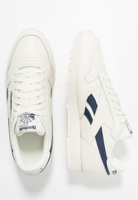 Reebok Classic - CLUB C 85 LEATHER UPPER SHOES - Trainers - chalk/paperwhite/collegiate navy - 1