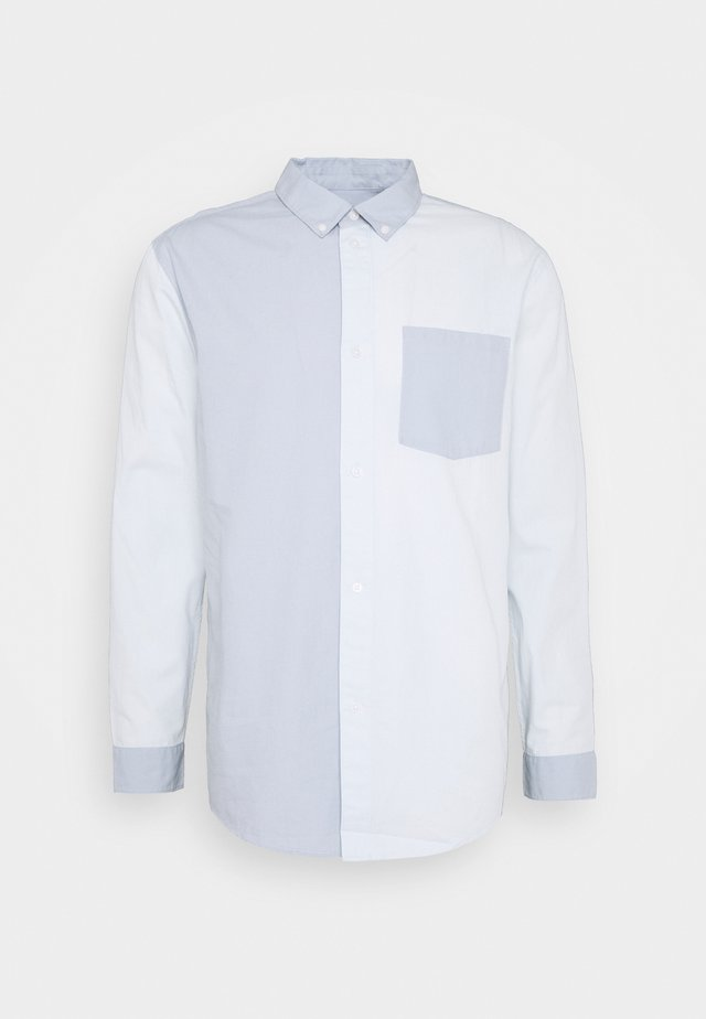 MALCON BLOCKED - Camicia - light blue/dark blue