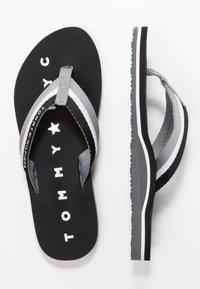 Tommy Hilfiger - LOVES BEACH - Flip Flops - black - 3