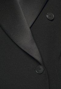Victoria Beckham - DOUBLE BREASTED TUXEDO COAT - Klasický kabát - black - 6