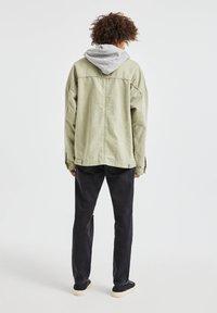 PULL&BEAR - Denim jacket - khaki - 2