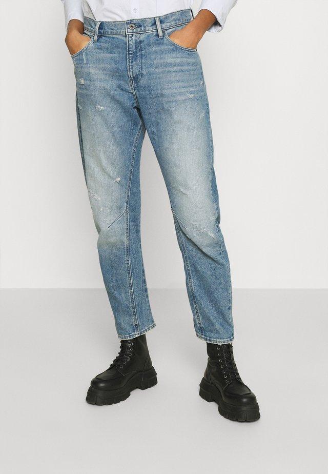 ARC 3D BOYFRIEND - Jeans baggy - sun faded ice fog destroyed