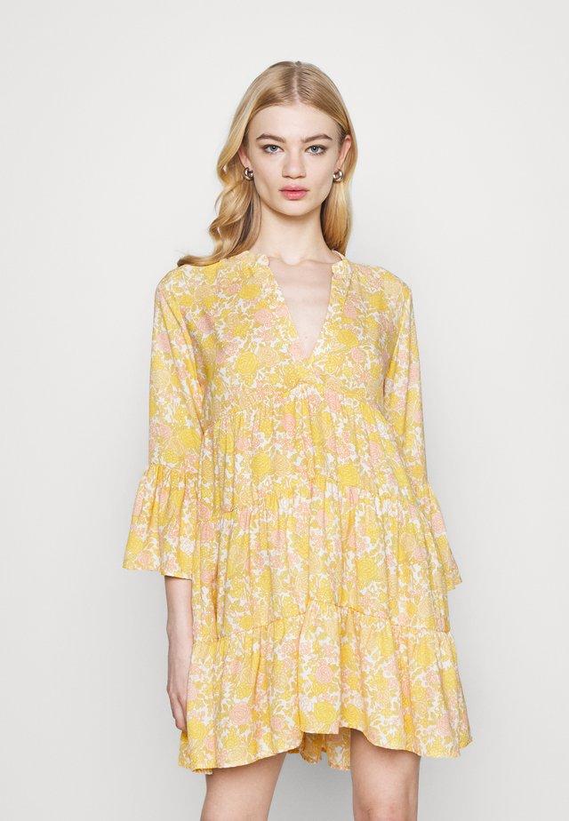 ONLATHENA 3/4 DRESS - Day dress - white/yellow
