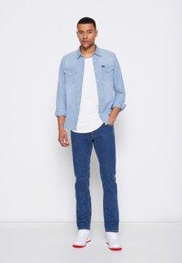 Lee - DAREN ZIP FLY - Jeans straight leg - mid visual cody - 4