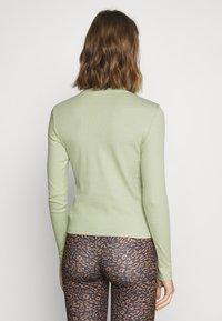 Monki - Long sleeved top - green dusty light - 2