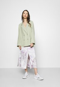 Monki - TWIGGY - Manteau court - green dusty light/salt and pepper - 1