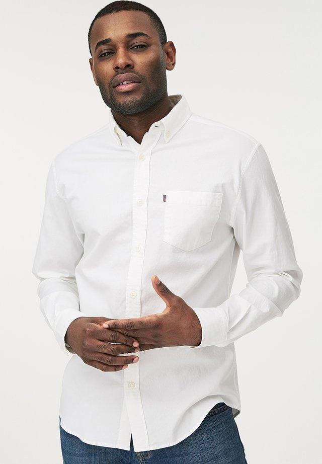 KYLE OXFORD - Shirt - white