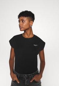 Pepe Jeans - BLOOM - Basic T-shirt - black - 3