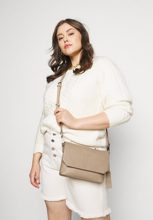 LEATHER - Across body bag - beige