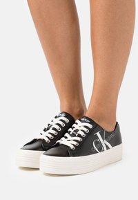 Calvin Klein Jeans - ZESLEY - Sneakersy niskie - black - 0
