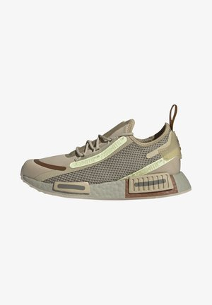 NMD_R1 SPEEDLINES BOOST SHOES - Baskets basses - savannah/feather grey/yellow tint