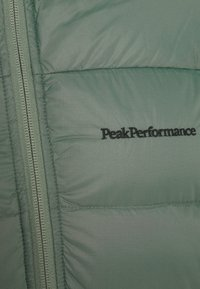 Peak Performance - FROST JACKET - Untuvatakki - fells view - 7