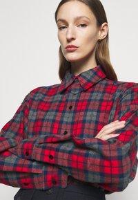 Victoria Beckham - OVERSIZED LUMBERJACK - Košile - red/navy - 3