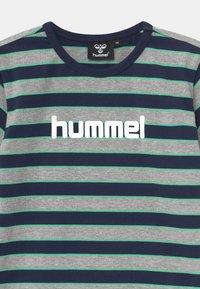 Hummel - AJAX UNISEX - T-shirt print - grey melange - 2