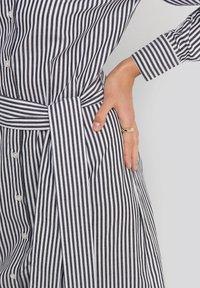 NA-KD - Robe chemise - grey/white - 3