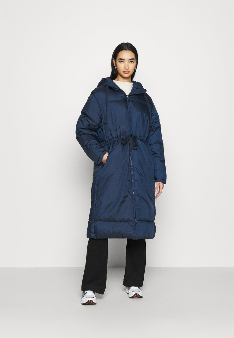 Weekday - ALLY LONG PUFFER - Winter coat - navy