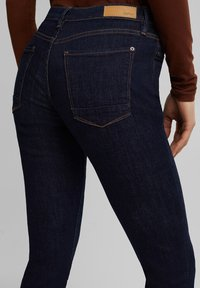 Esprit - FASHION  - Jeans Skinny Fit - blue rinse - 7