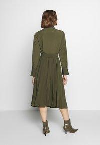 Sisley - DRESS - Vestito estivo - khaki - 2