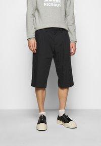 Viktor&Rolf - BERMUDA  - Shorts - black - 0
