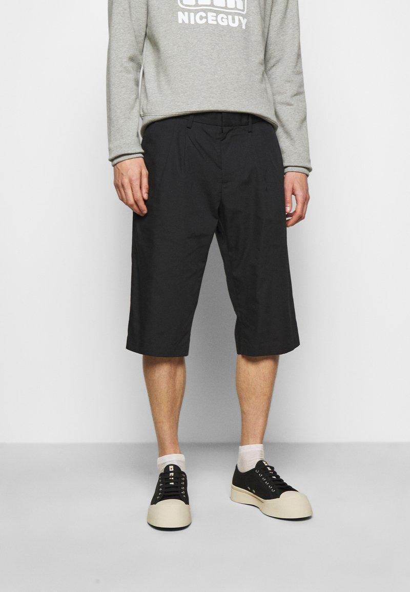 Viktor&Rolf - BERMUDA  - Shorts - black