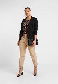 Lauren Ralph Lauren Woman - LYCETTE PANT - Trousers - birch tan - 1