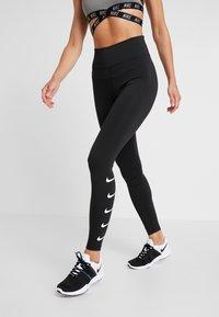 Nike Performance - RUN - Legginsy - black/white - 0