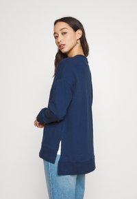 Zign - Slit Sides Oversized Sweatshirt - Sweatshirt - dark blue - 4