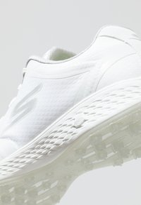 Skechers Performance - GO GOLF EAGLE RELAXED FIT - Zapatos de golf - white - 5