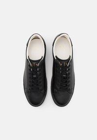 Armani Exchange - Sneakers basse - black - 3