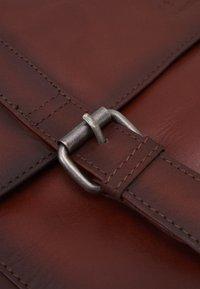 Still Nordic - VINTAGE MESSENGER BRIEF - Laptop bag - brown - 4