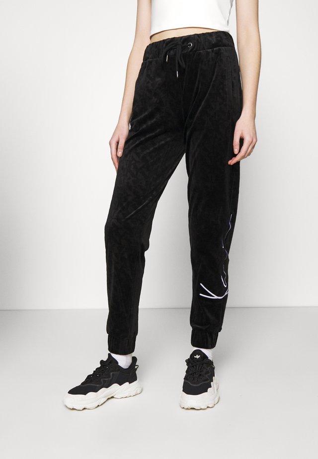 SIGNATURE PANTS  - Trainingsbroek - black