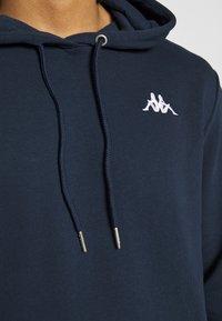 Kappa - VEND - Jersey con capucha - dress blue asters - 5