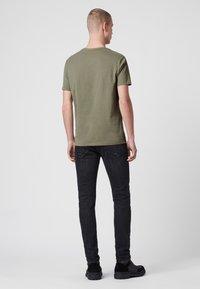 AllSaints - BRACE - Basic T-shirt - evergreen - 2