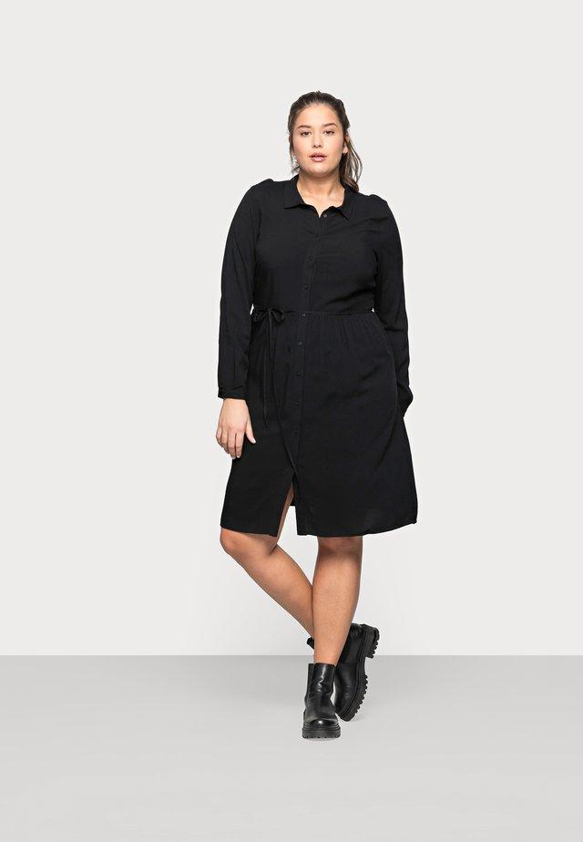 CARNEWMARRAKESH - Košilové šaty - black