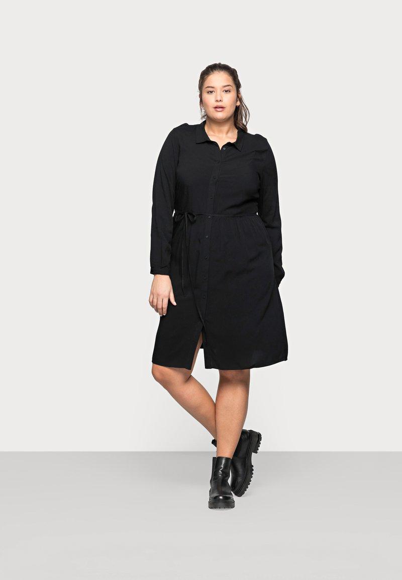ONLY Carmakoma - CARNEWMARRAKESH - Shirt dress - black