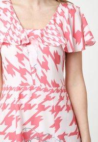 Madam-T - Maxi dress - rosa/weiß - 6