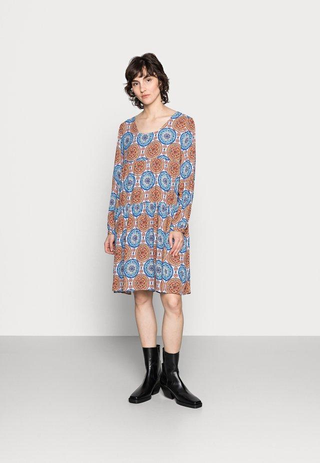 DRESS PRINTED - Sukienka letnia - light blue