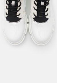 Joshua Sanders - VELAR BOOT - Platform ankle boots - white - 6
