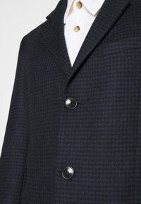 DRYKORN - BLACOT - Short coat - blau