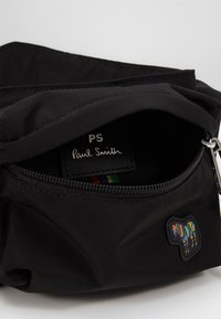 PS Paul Smith - MENS BAG BELTBAG - Sac bandoulière - black - 6
